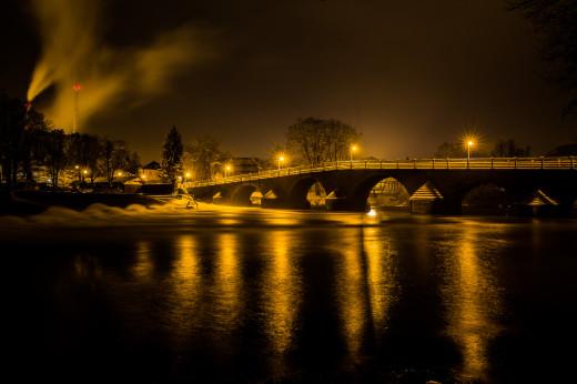 Brücke in Burgau-Jena bei Nacht, im Winter 2013